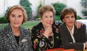 Lola Montaña, Maga Martínez y Helva Lane.