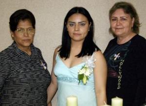 02 de marzo     Norma Recio Arias en compañía de Brenda Arias Martínez y JUanita Alba de Obregón quienes le organizaron una despedida de soltera por su próxima boda