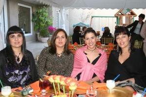 Gabriela G. de Santos, Mayra de Siller, Elisa de Milán y Susana de Boehringer.
