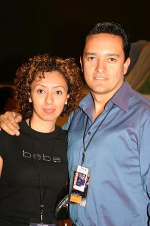 <b>01 de marzo </b> <p>   Cecilia Ochoa y Axel Figueroa.
