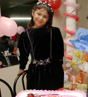 <b>01 de marzo de 2005</b> <p>   Tania Ramírez Lozoya celebró su quinto cumpleaños con una divertida reunión que le organizaron sus papás