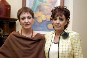 Laura Muñoz de Jiménez y Mary Carmen Ruenes.