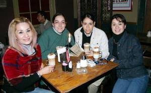 <b>04 de marzo </b> <p>   Norma de Bouzebal, Gaby Elías, Alica Ceniceros y Dadia Jasso