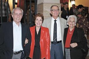 Carlos Ruenes, matilde M. de Ruenes, Manuel G. de Montenegro e Ivonne P. de Montenegro