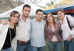 Adriana Agüero, Javier Sada, Armando Saavedra, Romy Humphrey y Ana Lya Román