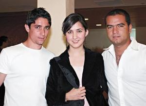 Erick Canedo, Bárbara Muñoz y Carus Estrada