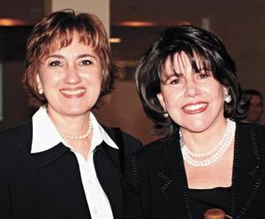 Silvia Garza de Maisterrena y Guadalupe Maisterrena de Díaz De León