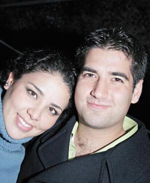 Jocelyn Pérez lee y Pedro Gutiérrez Lugo