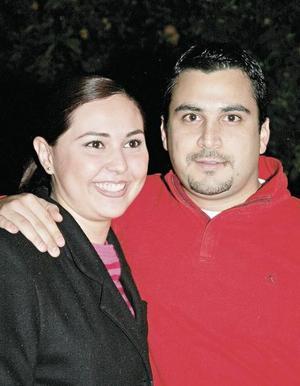 Maria Fernanda Álvarez y el festejado Alberto Villalobos