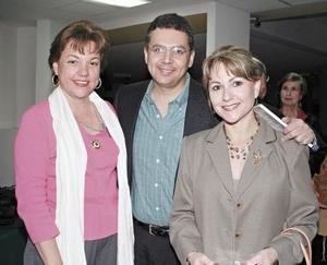 Lourdes Llama de González, Oscar González Franch y Graciela Llama Alatorre