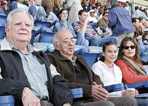 Fernando Hernández, Adelaido López, María Martha Ceniceros y Angélica M. de Ceniceros