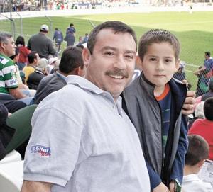 <I>FUTBOL Y DIVERSIÓN</I><P>Jaime Manrique Loza y Daniel Manrique Villarreal