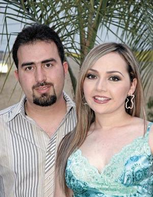 <I>FESTEJO DE CUMPLEAÑOS</I><P>Rosy Ramos Huereca y Alejandro Zavala