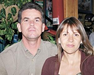 Javier Martínez Sohmit y  Dora de Martínez