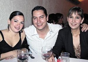 Karla Tavera, Oscar Ollivier y Odila de Ollivier