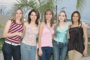 Claudia, Cynthia, Karla, Rosy y Úrsula.