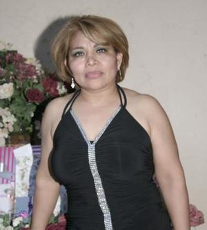 María Elena  Chávez disfrutó de una fiesta de cumpleaños en días pasados.
