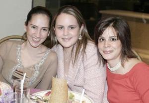 Gaby de Juan Marcos, Brenda de Villalobos y Laurencia González.