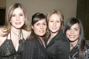 Lilia de Mortera, Martha de Puentes, Sonia de Fiscal y Cristina de Ríos.