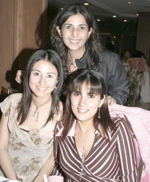 Alicia Constantino, Janeth García y Lorena González.