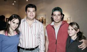 Margarita Chiffer, Miguel Arriola, Jennifer Chiffer y Juan Carlos González.