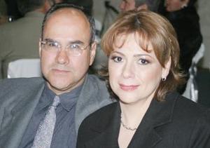 Leonardo y Marisela Nájera de González