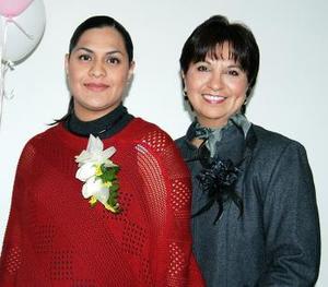 <b>06 de marzo </b> <p> Leticia Vallejo le organizó una fiesta de canastilla a Mónica de la Fuente de Adame