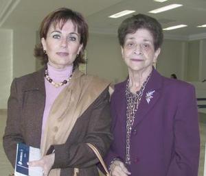 Ana María Soberón y Esperanza López viajaron al DF.