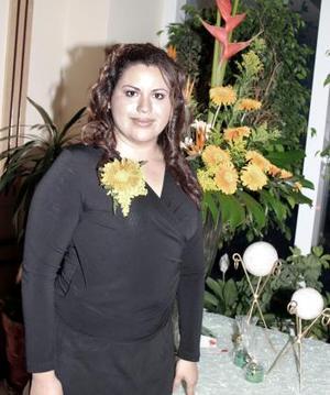 Con motivo de su cercano matrimonio con Roberto Cháirez Hernández, Mirna Fraire López disfrutó de una despedida de soltera hace unos días.
