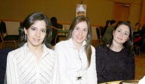 Lucía de Campos, Maru Villarreal y Olga de Pérez.