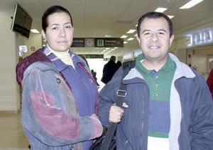Claudio Ávalos viajó a Villahermosa, Tabasco y fue despedido por María Ángeles Torres.jpg