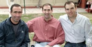 <b>10 de marzo 2005</b> <p> Miguel, Fernando y Agustín Gil.jpg