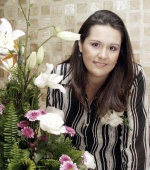 10 de marzo   Karla Susana López Mora, captada en la despedia de soltera que le organizaron por su cercana boda con Horacio Martínez Candelas.