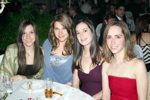Mariana de Robles, Gaby de Barrios, Diana Carrillo y Lizette de Helguera.
