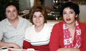 Gaby de Ramírez, Paty de Rodríguez y Sandra Rodríguez García.