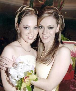 Odila Vargas Villarreal acompañada de su hermana Clarissa.