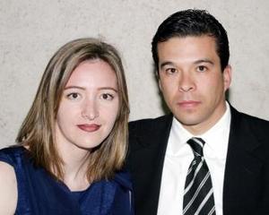 Isabel Mijares y Agustín Serrano.