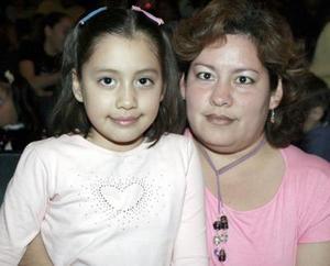 Sandra de la Rosa y Andrea de la Rosa.