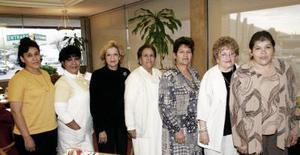 Cristina de Rosales, Chelito Soto, Lourdes Bañuelos, Hilda de Medina, Angélica de Recio, Mayela Silva y Gudelia de García.