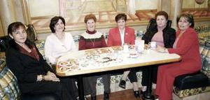 Ludy de Álvarez, Deyanira de Peña, Pepa de Salazar, Raquel de Torres, Imelda de Barraza y Vicky de Aguilar