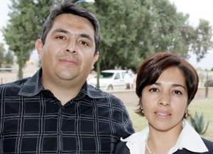 <b>12 de marzo 2005</b> <p> Mauricio y Esthela Ruiz