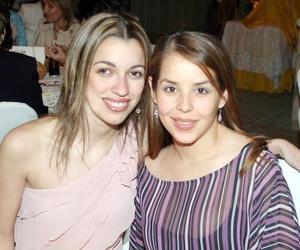 Claudia de Garza y Lupita de Arzoz.