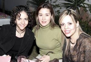 Fabiola de Fahur, Silvia de Segura y Liliana de Izaguirre.