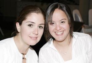 <b>12 de marzo 2005</b> <p> Sandra Martínez y Ale González.