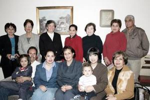 Con motivo de su cumpleaños, Beatriz García  de álvarez disfrutó de una fiesta de cumpleaños.