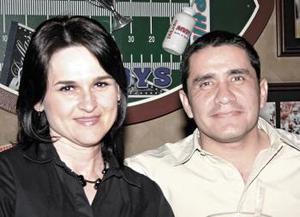 Magaly de López y Pablo López.