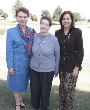 Vivi De la Peña, María Luisa Madero y Maribel de Martínez.