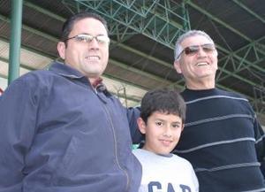 Gerardo Bejarano, Andrés Bejarano y Guillemo Millán .