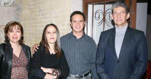Jesús  y Alejandra Reyes, Leticia Ruiz  y  Luis Monfort