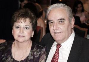 Lupe M. de Haro y Pedro Haro